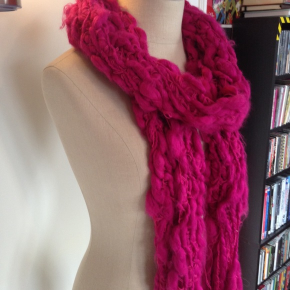 Vintage Accessories - Hot Pink Magenta Hand-Knit Chunky Scarf